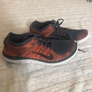 Nike 4.0 Flyknit Tennis Shoes